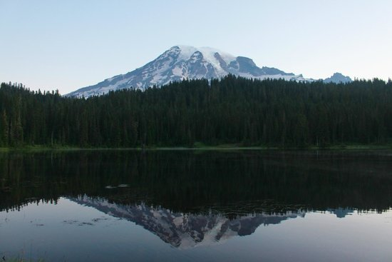 Mount Rainier : Before sunrise