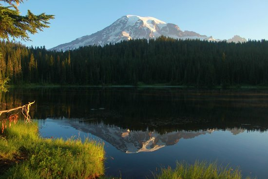 Mount Rainier : 30 minutes after sunrise