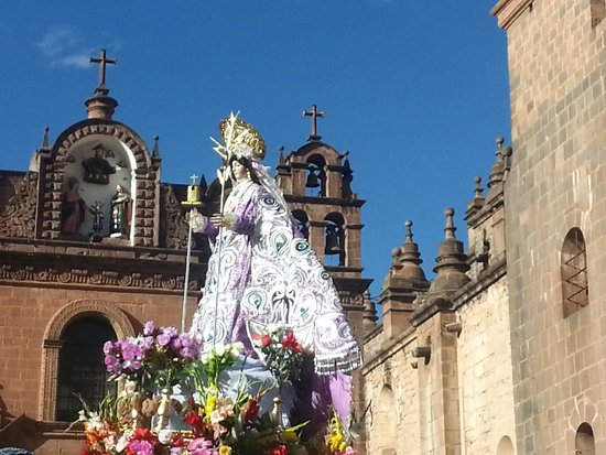 Catedral del Cuzco o Catedral Basílica de la Virgen de la Asunción: San Sebastian outside the Cathedral