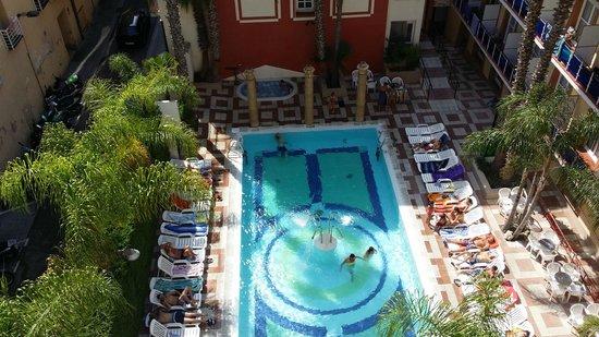 Cleopatra Spa Hotel: vue de la terasse