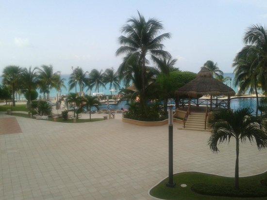 Grand Fiesta Americana Coral Beach Cancun: Vista de la habitación