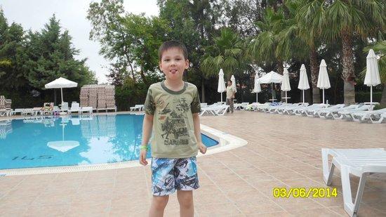 Max Holiday Hotels Side Stone Palace: Бассейн