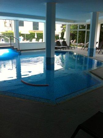 Hotel Aqua : Piscina interna!