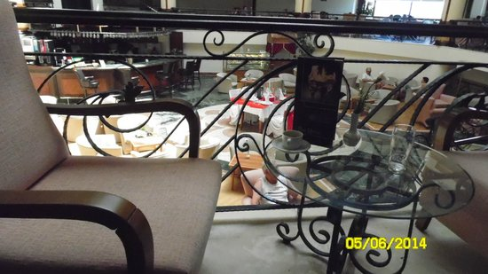 فيرا ستون بالاس ريزورت - شامل جميع الخدمات: Бар отеля. Вид из холла