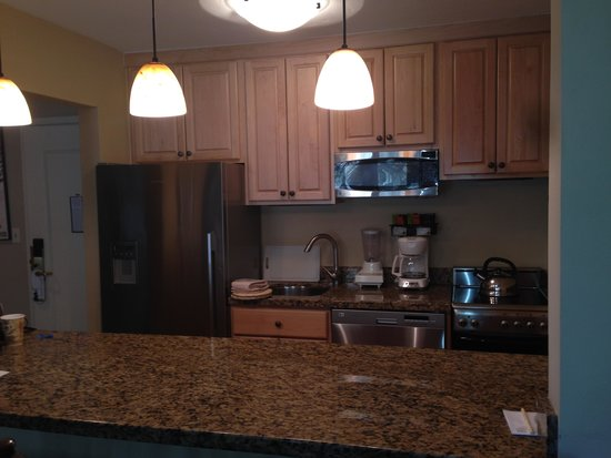 Manor Vail Lodge: full remodeled kitchen