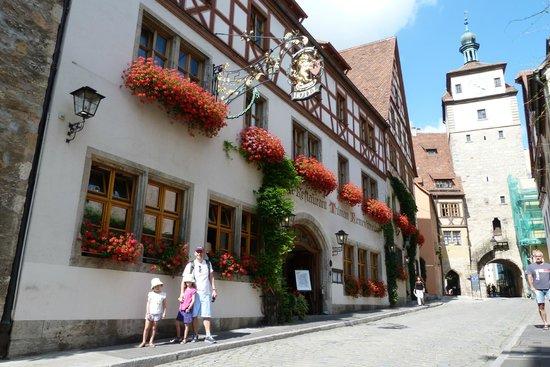 Tilman Riemenschneider Hotel: Front
