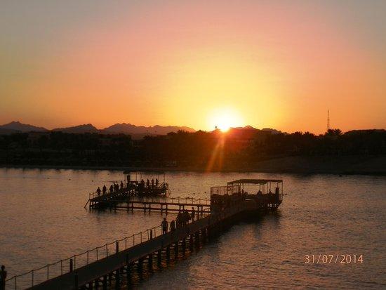 Jaz Lamaya Resort: Sunset