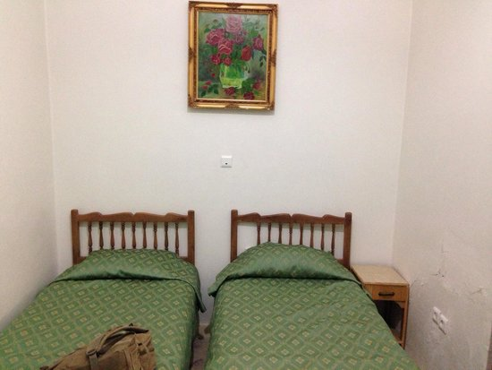 Traditional Kohan Hotel: Very small