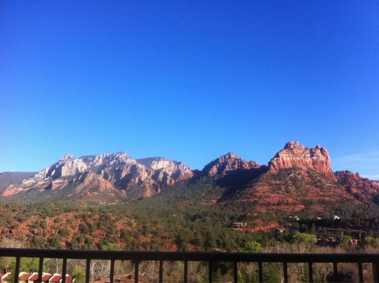 The Orchards Inn of Sedona: The magnificent view from our room!