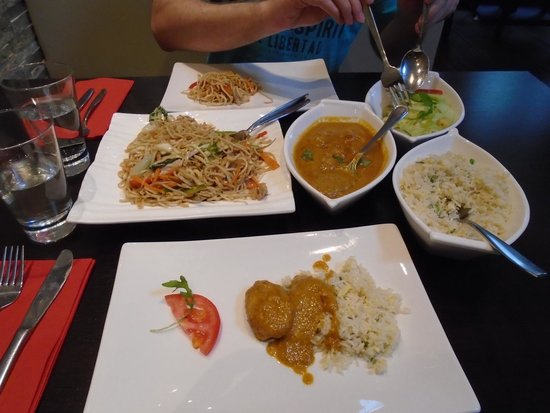 Norling Restaurant Amsterdam : chicken noodles & curry with rice