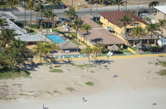 Ebb Tide Oceanfront Resort in Pompano Beach, Florida : Aerial 4