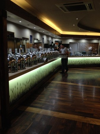 Aneesa's Buffet Restaurant : The amazing choice of Indian food!