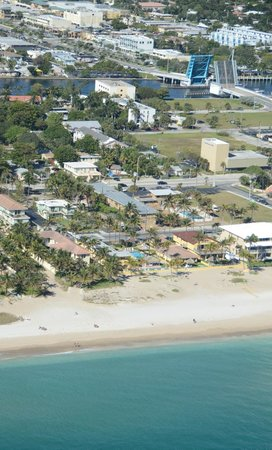 Ebb Tide Oceanfront Resort in Pompano Beach, Florida : Aerial 2