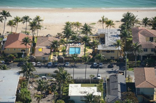 Ebb Tide Oceanfront Resort: Aerial 6