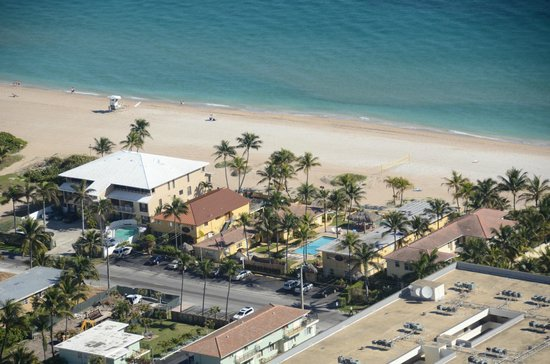 Ebb Tide Oceanfront Resort in Pompano Beach, Florida : Aerial