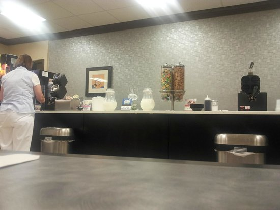 Best Western Greenville Airport Inn: breakfast