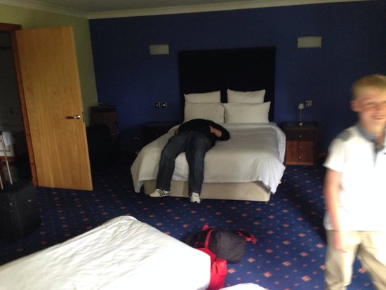 Castlecary House Hotel : Comfortable bed