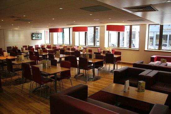 Travelodge Edinburgh Central: Hotel-Comedor