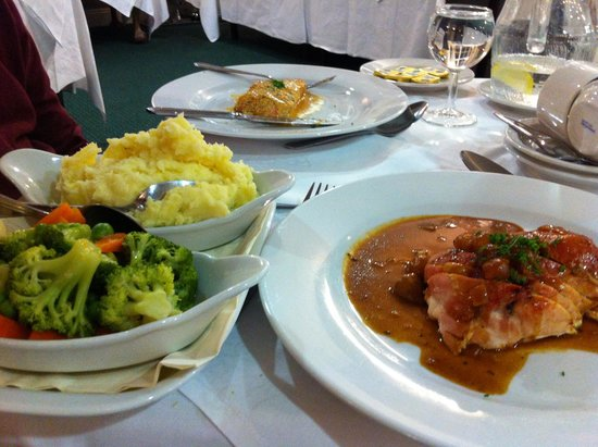 Dundrum House Hotel, Golf and Leisure Resort: Dinner