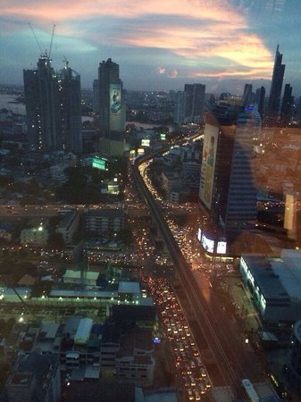 Eastin Grand Hotel Sathorn : View from our window - level 30 room 3024