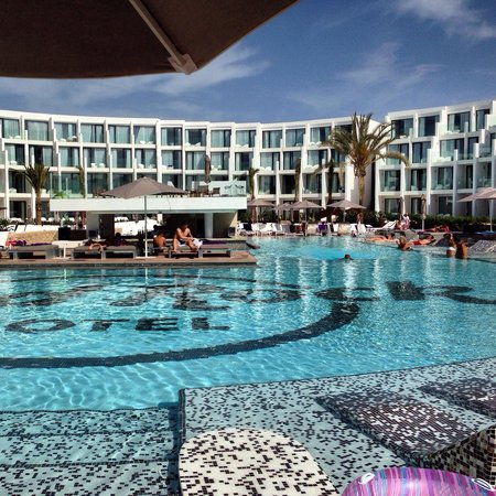 Hard Rock Hotel Ibiza: La piscine