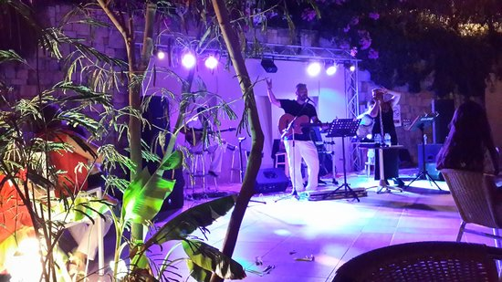 Hilton Bodrum Turkbuku Resort & Spa: band