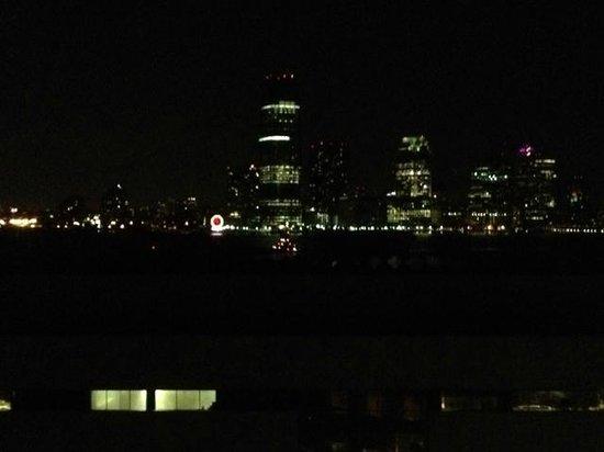 The Ritz-Carlton New York, Battery Park: Night sky from room