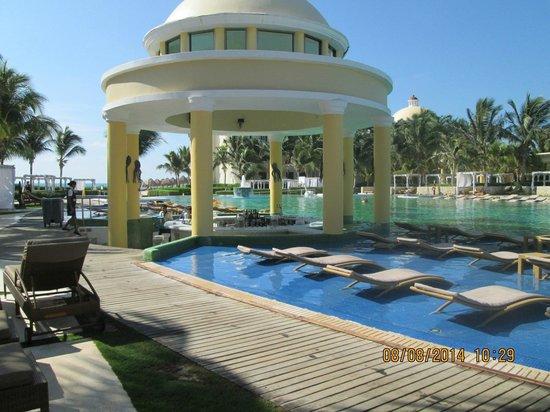 Iberostar Grand Hotel Paraiso: Hotel Grounds