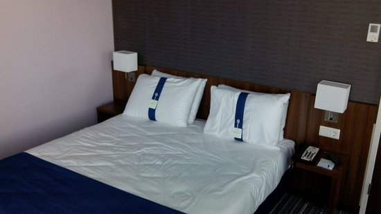 Holiday Inn Express Amsterdam - Arena Towers: le lit