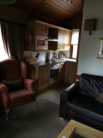 Macdonald Spey Valley Golf & Country Club: Lounge & kitchen area