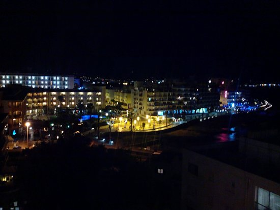 Abrat Hotel: san antonio from the abrat at night