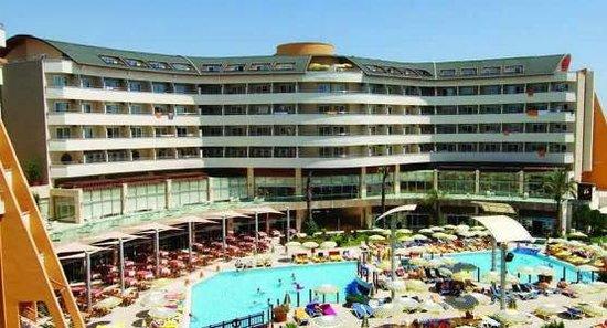 Alaiye Resort & Spa Hotel : Otel büyük bina