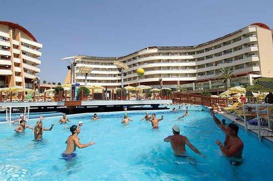 Alaiye Resort & Spa Hotel : Büyük havuz