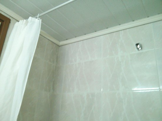 Achillion Palace: Old bathroom