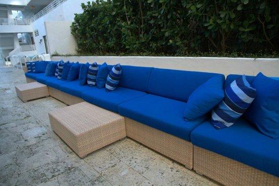 Royal Palm South Beach Miami, A Tribute Portfolio Resort: Pool area