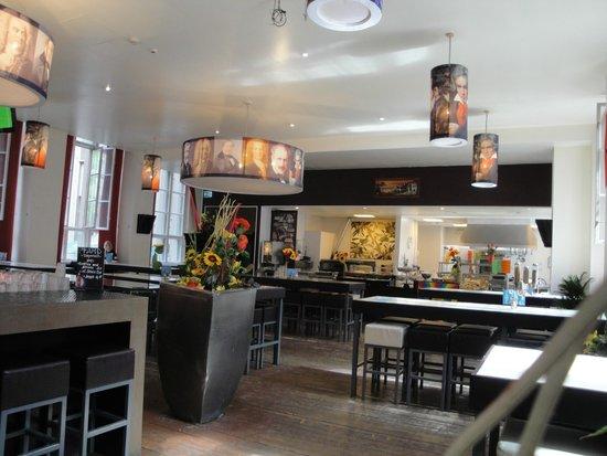 PLUS Berlin : Restaurant/Bar