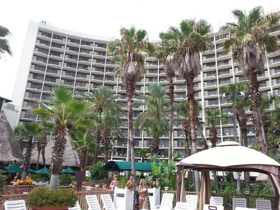 Holiday Inn Resort Panama City Beach: View from the beach