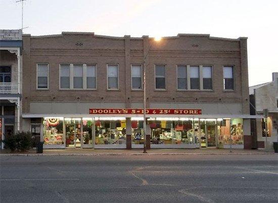 Dooley's 5-10 & 25c Store