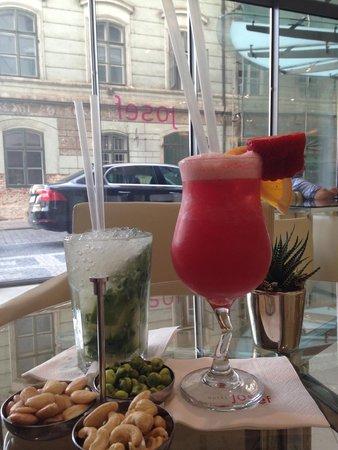 Design Hotel Josef Prague: Complimentary Cocktails - very nice