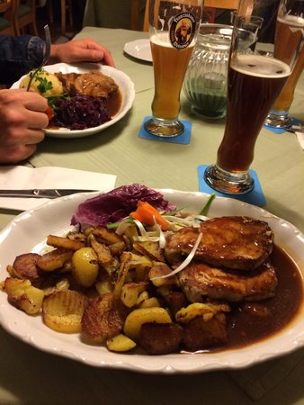 Hofbräustüberl: Essen