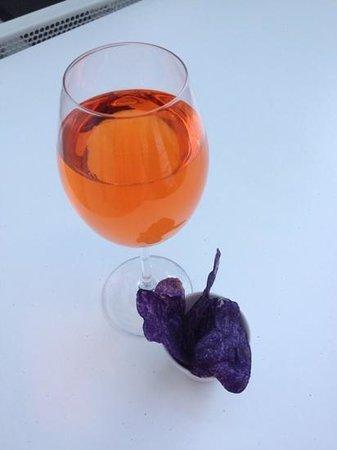 Hotel Cezanne: Dejlige drinks og lilla chips