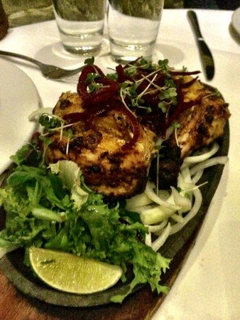 Gurkha Inn: Tandoori chicken