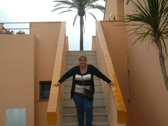 PortBlue Club Pollentia Resort & Spa : Escaleras de acceso a las habitaciones.