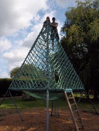 Thrigby Hall Wildlife Gardens: Play Area