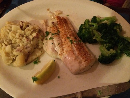 Indian Lake Restaurant  & Tavern: Broiled fish