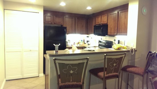 Mystic Dunes Resort & Golf Club: kitchen