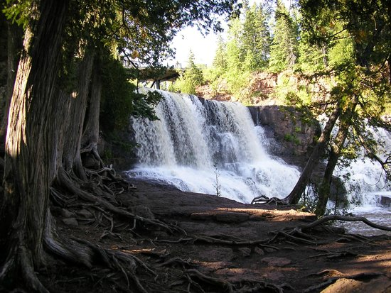 Country Inn of Two Harbors: Gooseberry Falls , walking the trails.