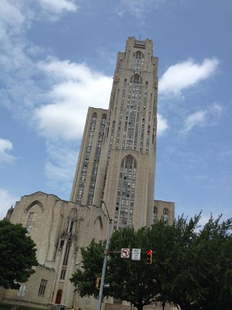 Wyndham Pittsburgh University Center: Cathedral of Learning, Pitt Campus