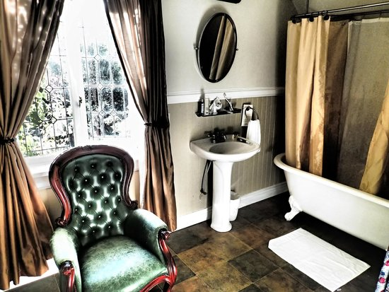 English Inn: Retro bathroom