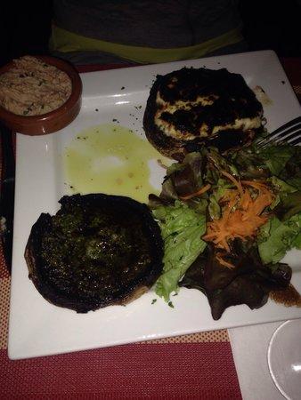 Auberge des ecuyers : Les vrais champignons beurre a l ail et ciboulette
